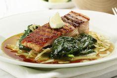 Laks på spinat med soyasjy Ramen, Steak, Pork, Ethnic Recipes, Drink, Spinach, Kale Stir Fry, Beverage, Drinking