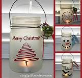 Heres the REAL LINK to this frosted mason jar craft project. Super Saturday Crafts: Mason Jar Craft Check out the website to see Christmas Projects, Holiday Crafts, Holiday Fun, Christmas Ideas, Holiday Ideas, Thanksgiving Holiday, Winter Ideas, Mason Jar Crafts, Mason Jar Diy