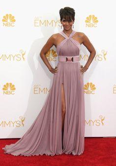 Pin for Later: 1 Nacht, 46 fabelhafte Kleider Halle Berry Halle Berry bezauberte in einem romantischen Chiffon-Kleid von Elie Saab.