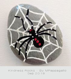 Bemalte Steine Spider Painted Rock - Sep 2018 How To Choose Laminate Flooring For Your Home Article Theme Halloween, Halloween Rocks, Halloween Painting, Rock Painting Patterns, Rock Painting Ideas Easy, Rock Painting Designs, Pebble Painting, Pebble Art, Stone Painting
