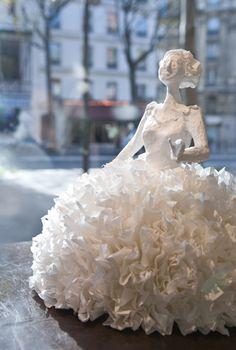 Papier à êtres - paper sculpture - just one out of many.