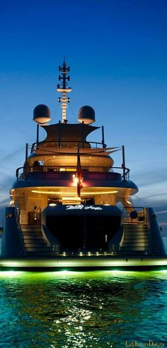 LADY LUXURY - Luxury Lifestyle -  Yacht  Club @ladyluxury7