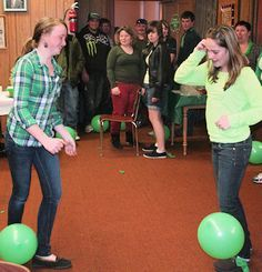 Try to stomp on each other's balloons, while the balloons are tied to their ankles, part of the fun and games(Dollar Store Minutes To Win It Games) Youth Group Games, Youth Activities, Activity Games, Fun Games, Animation Sportive, Balloon Games, Church Games, Family Reunion Games, Adult Party Games