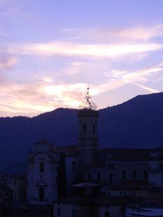Colledimezzo at night. From: www.abruzzoruralproperty.com