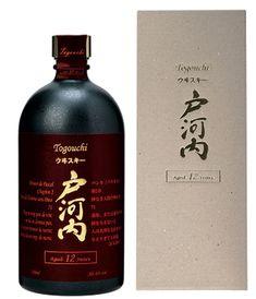 Le Togouchi 12 ans d'âge est un blend aux notes tourbées mêlées à la douceur sucrée du chocolat et de la vanille.