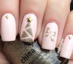 Possibly my inspiration for my 3rd Christmas themed nails?