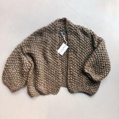 Kiro by Kim Handmade Kiro By Kim, Chunky Knits, Knitting Designs, Taupe, Knitwear, Vest, Cozy, Pullover, Model