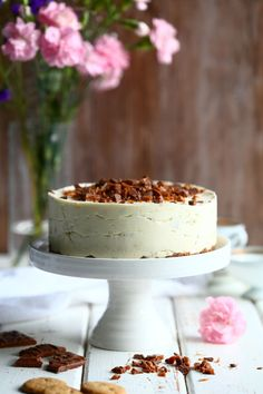 Daim-juustokakku ilman liivatetta - Suklaapossu Baking Recipes, Cake Recipes, Dessert Recipes, Let Them Eat Cake, Yummy Cakes, Vanilla Cake, Food Inspiration, Delicious Desserts, Cheesecake