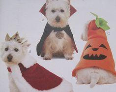 UNCUT Kwik Sew Sewing Pattern 3629 Dog Costumes - King, Vampire, Pumpkin, Jack-O-Lantern