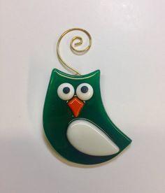 Owl Green & White Fused Glass Ornament Set Of 2 | Etsy Broken Glass Art, Shattered Glass, Sea Glass Art, Stained Glass Art, Glass Vase, Glass Artwork, Fused Glass Ornaments, White Ornaments, Fused Glass Jewelry