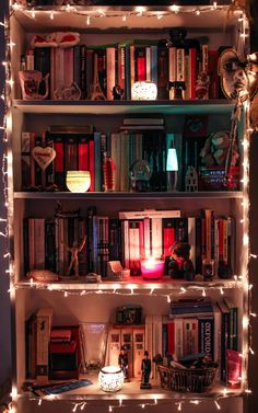 Home Library Bookcases Book Nooks 50 Ideas Bookshelf Organization, Home Libraries, Aesthetic Room Decor, Room Goals, Book Nooks, Reading Nooks, Trendy Bedroom, My New Room, Room Inspiration