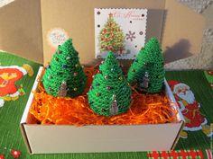 Купить Новогодние вязаные зелёные ёлочки с цветными шариками - зеленый, елочные игрушки, елочные украшения