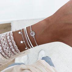 Moon Jewelry, Ear Jewelry, Trendy Jewelry, Cute Jewelry, Jewelry Crafts, Jewellery, Girls Accessories, Handbag Accessories, Jewelry Accessories