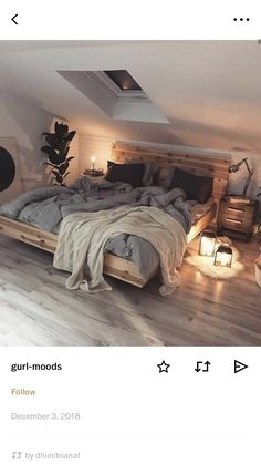 love the blankets on the bed and skylight. love the blankets on the bed and skylight. The post love the blankets on the bed and skylight. appeared first on Sovrum Diy. Dream Rooms, Dream Bedroom, Home Bedroom, Room Decor Bedroom, Bedrooms, Home And Deco, Bedroom Inspo, Bedroom Ideas, My New Room