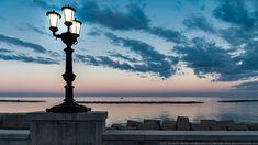 Il lungomare Imperatore Augusto ed il lampione iconico di Bari Bari, Cn Tower, Building, Travel, Italy, Fotografia, Viajes, Buildings, Traveling