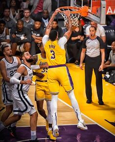 """Anthony Davis 〰️ on Instagram: """"Nobody is stopping that! 🏀💪🏾"""" Sports Basketball, Sport Football, College Basketball, Basketball Players, Kobe Bryant Lebron James, Lebron James Wallpapers, Lakers Wallpaper, Kentucky Athletics, Nba Pictures"""