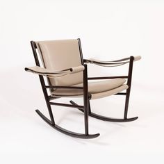"""""""Cadeira de Embalo"""" by Joaquim Tenreiro, 1947 