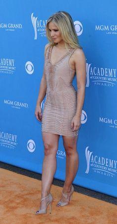 Prime time : kristenbell Perfect Legs, Great Legs, Nice Legs, Kristen Bell, Beautiful Celebrities, Beautiful Actresses, Beautiful Legs, Gorgeous Women, Beauté Blonde