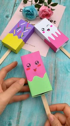 Diy Crafts For Girls, Diy Crafts Hacks, Diy Home Crafts, Easy Diy Crafts, Diy Arts And Crafts, Cute Crafts, Creative Crafts, Paper Flowers Craft, Paper Crafts Origami