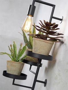 Combo Design is officieel dealer van It's About RoMi ✓Florence plant holder/wandlamp makkelijk te bestellen ✓ Verschillende kleuren beschikbaar ✓ Gratis verzending (NL) Florence, Lamps, Planter Pots, Design, Lightbulbs, Light Fixtures, Lights, Florence Italy