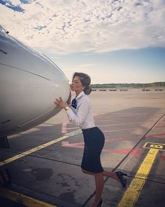 "809 Likes, 7 Comments - crewiser (@instacrewiser) on Instagram: ""From @dzenita.b instagram.com/dzenita.b Give mi a kiss  #crewiser #instacrewiser #flight #fly…"""