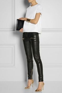 BALMAIN Quilted leather skinny pants with: Valentino top, Balmain cuff, Gianvito Rossi shoes, Jil Sander clutch. Look Fashion, Autumn Fashion, Womens Fashion, Look Legging, Looks Party, Mode Rock, Casual Outfits, Cute Outfits, Leder Outfits