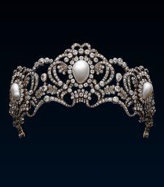 Tiara of Austrian Archduchess Marie Valerie by Köchert. Gold, silver, pearls and diamonds c1913. (alt)