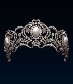 Tiara of Austrian Archduchess Marie Valerie by Köchert. Gold, silver, pearls and diamonds c1913. (alt)
