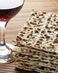 passover seder explained with Jesus -- good website explaining the 4 cups of wine especially Feast Of Unleavened Bread, Passover And Easter, Resurrection Eggs, Feasts Of The Lord, Jewish Celebrations, Passover Recipes, Evening Meals, Meant To Be, Gastronomia