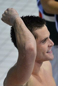 David Boudia of the U.S. celebrates winning the gold medal in the men's 10m platform final during the London 2012 Olympic Games at the Aquatics Centre August 11, 2012. REUTERS/Toby Melville