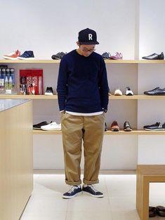 Mens Fashion – Designer Fashion Tips Japan Men Fashion, Stylish Mens Fashion, Japanese Fashion Men, Monochrome Fashion, Minimal Fashion, Workwear Fashion, Sharp Dressed Man, Gentleman Style, Men Looks