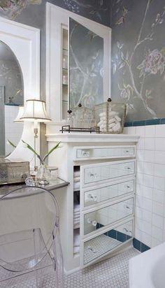 Muebles en lugares imposibles: #Sillas que renuevan tu #baño #decor…