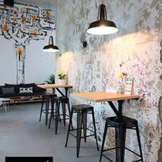 industrial restaurant Wondrous Useful Tips: Industrial Chair Cushion industrial style gym. Cafe Industrial, Industrial Kitchen Design, Industrial Flooring, Industrial Apartment, Vintage Industrial Furniture, Industrial Style, Industrial Wallpaper, Industrial Shelving, Industrial Lighting