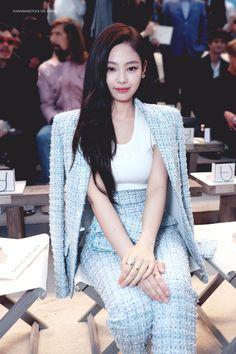 Preppy Look, Preppy Style, Taeyeon Short Hair, Simple Outfits, Cute Outfits, Blackpink Fashion, Fasion, Paris Fashion, High Fashion
