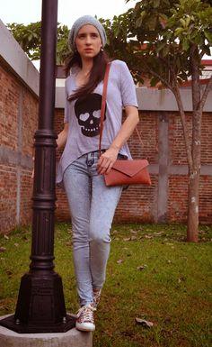 outfit con jean ácido wash