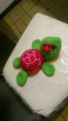 NOVEDADES JENPOALI: PATRÓN DE TORTUGAS AMIGURUMI Amigurumi Free, Amigurumi Toys, Amigurumi Patterns, Crochet Patterns, Crochet Animals, Crochet Toys, Crochet Baby, Knit Crochet, Crochet Turtle