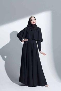 Modern Hijab Fashion, Hijab Fashion Inspiration, Abaya Fashion, Muslim Fashion, Fashion Dresses, Fashion Muslimah, Modest Bridesmaid Dresses, Modest Dresses, Simple Dresses