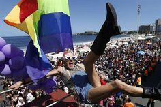 Rescatamos unos #Disfraces de la Marcha por el #OrgulloGay en Río de Janeiro, Brasil.