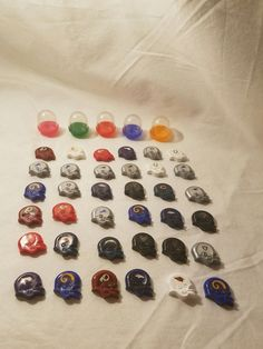 36 NFL Mini Gumball Vending Machine Football Helmets Magnets W/ Bubble Cases