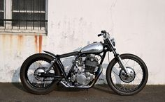 Yamaha SR500 Bobber by Purple Pantera #motorcycles #bobber #motos | caferacerpasion.com