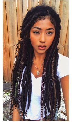 Faux locs is a hairstyle similar to box braids whereas faux locs are intended to be a permanent extension of your hair. Faux locs are installed by twisting or braiding the real hair and then wrapping additional hair around the shaft of the braid. Box Braids Hairstyles, My Hairstyle, Protective Hairstyles, Hairstyles 2018, Marley Twist Hairstyles, Hairstyles Games, Hairstyles Videos, Fashion Hairstyles, Dreadlock Hairstyles