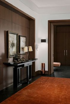 katehume.com - contemporary mansion on outskirts of Moscow - Hall, wood detail in niche