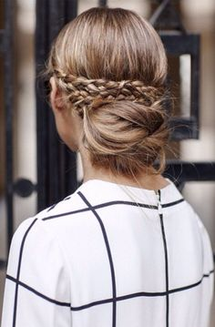 Olivia Palermo's Hair Updo - #PFW #SS15