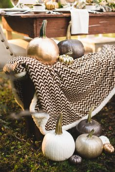 Cozy up with this Metallic Fall Wedding inspiration... also great for Thanksgiving!