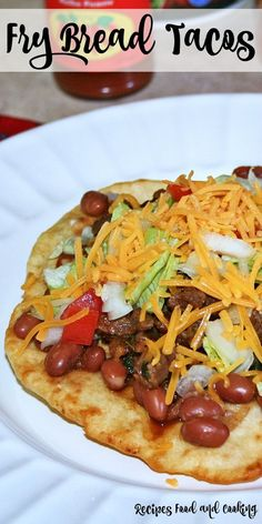 Fry Bread Tacos Fry bread is a light, tasty dough that is fried to use as the base for this taco. Beef Recipes, Mexican Food Recipes, Cooking Recipes, Mexican Cooking, Grilling Recipes, Enchiladas, Fry Bread Tacos, Fried Tacos, Guacamole