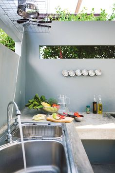 An outdoor kitchen can be an addition to your home and backyard that can completely change your style of living and entertaining. Home Room Design, Kitchen Interior, Concrete Kitchen, Kitchen Design Small, Outdoor Kitchen Design, Kitchen Remodel, Kitchen Decor, Outdoor Kitchen, Kitchen Design