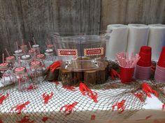 crawfish boil beverage station! so cool!  ;)