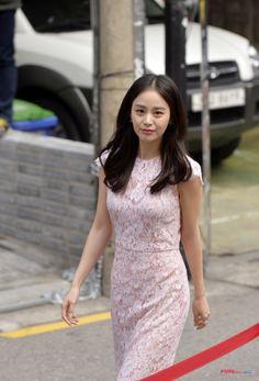 Trung B. Nguyen • poppyent: [On the Street] Kim Tae Hee, Travel...