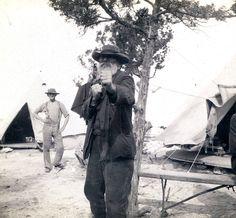 Boer POW with some fight left in him. Inner World, Military Veterans, Winston Churchill, Folk Music, My Heritage, Old Pictures, Archaeology, Astronomy, Trek