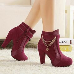 Fashion Women's Short Boots with Chains Splice